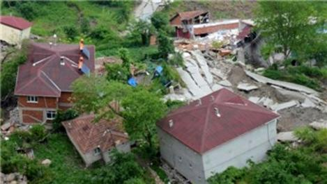 Ordu'da heyelan sonucu 22 bina yıkıldı
