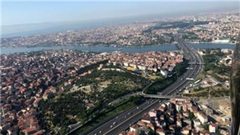 İstanbul'da polis helikopteriyle bayram dönüşü trafik denetimi