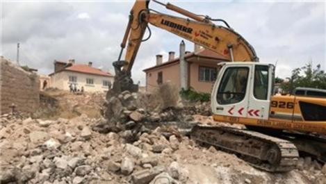 Nevşehir'de  köylerde bulunan 16 metruk bina yıkıldı
