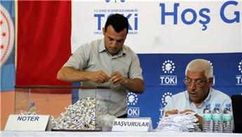 Karaman'da TOKİ'nin yaptığı 364 konut için kura çekimi yapıldı