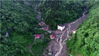 Trabzon'daki selde 11 bina yıkıldı, 14 bina ağır hasar gördü