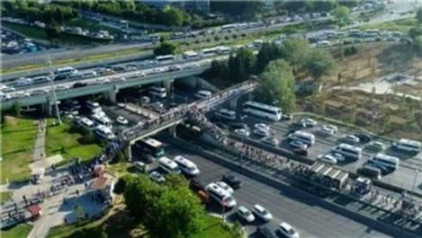 Köprüdeki çalışmanın yoğunluğu metrobüse yansıdı