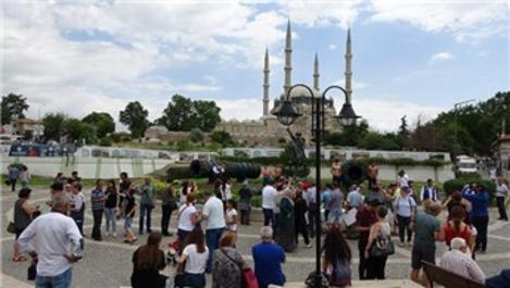Edirne'de Kırkpınar başladı, otellerde yer kalmadı