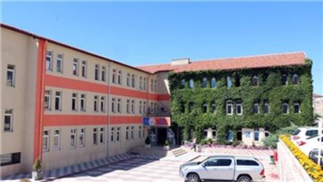 Yozgat'taki sarmaşıklı bina dikkat çekiyor