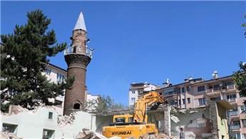 Osman Paşa Camisi 2. kez yıkıldı, minaresi 5 asırdır ayakta