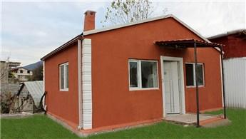 Kocaeli'de ihtiyaç sahiplerine belediyeden prefabrik ev
