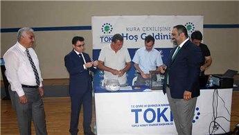 TOKİ'nin Manavgat konutları için kuralar çekildi