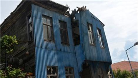 Sinop'taki tarihi binaya Karadeniz usulü önlem!