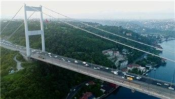 FSM Köprüsü'ndeki asfalt çalışması havadan görüntülendi