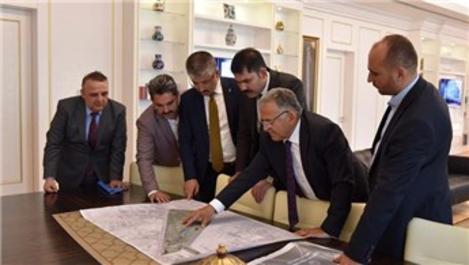 Çevre ve Şehircilik Bakanı Kurum, Başkan Büyükkılıç görüştü