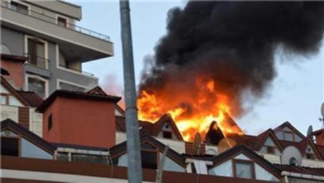 Şişli'de 9 katlı binada yangın!
