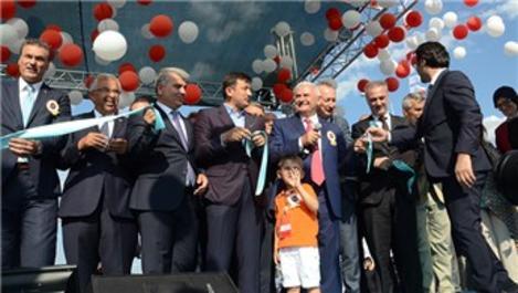 İstanbul-İzmir otoyolunun açılışı yapıldı