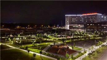 Adana Şehir Hastanesi 'güneş' ile aydınlanıyor