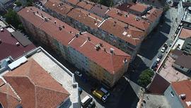 Bağcılar'da yıkılma tehlikesi bulunan bina boşaltıldı!