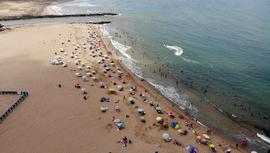 İstanbullular Riva plajlarına akın etti!
