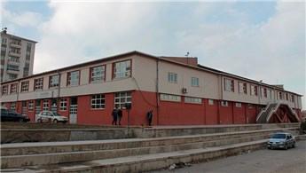 TOKİ'nin yıkmaktan vazgeçtiği spor salonu yenilenecek