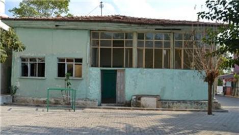 Denizli'de 139 yıllık Yukarı Cami kaderine terk edildi