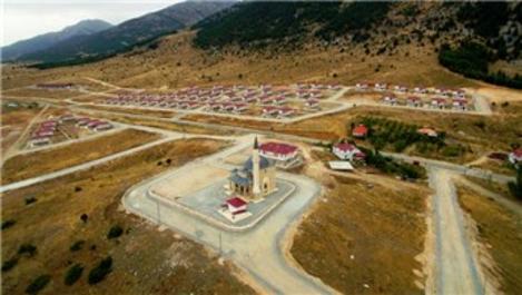 Kahramanmaraş Göksun'da 65 konut sahiplerine teslim edildi