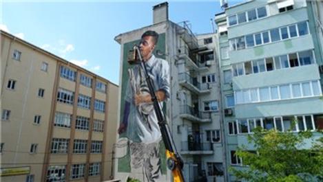 Kadıköy'deki binaları devasa resimler süslüyor!