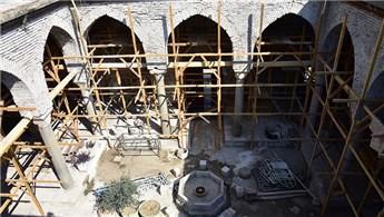 Manisa'daki Ulu Cami'de restorasyon devam ediyor