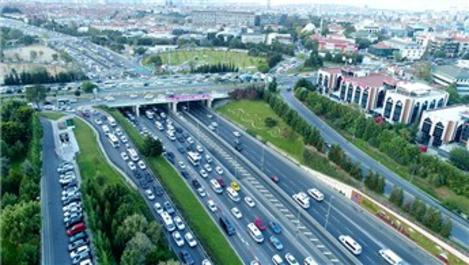 Okullar açıldı, İstanbul'da trafik yoğunlaştı!