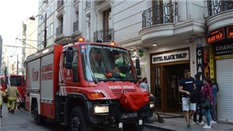 Fatih'te lüks otelde yangın!