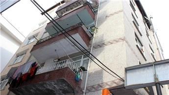 Bahçelievler'de duvarlarında çatlak oluşan binalar incelendi
