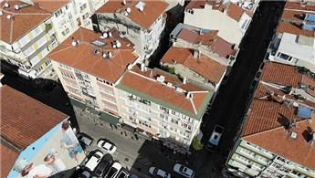 Kadıköy'deki 5 katlı riskli bina tahliye edildi