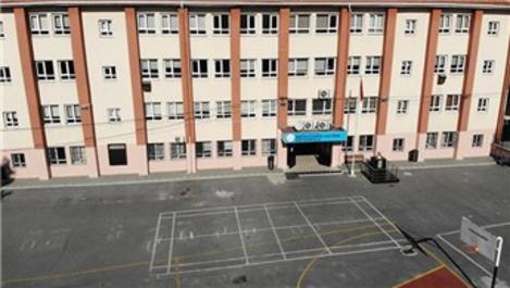 İstanbul'da deprem sonrası 5 ilçede 6 okul daha boşaltılacak