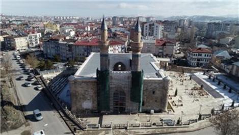 748 yıllık Gök Medrese müzeye dönüştürülüyor