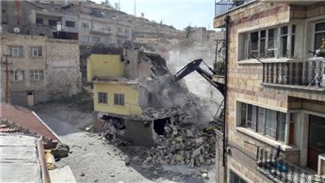 Nevşehir'de metruk binalar yıkılıyor