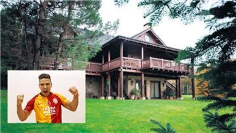 Falcao, Kemer Country'den aylık 30 bin TL'ye ev kiraladı!