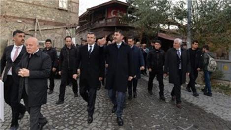 Bakan Kurum, Erzurum'da kentsel dönüşüm çalışmalarını inceledi