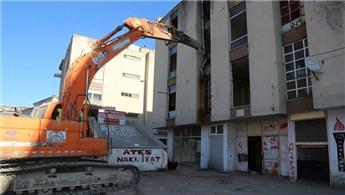 Sivas'ta Yüzüncü Yıl Sitesi'nde yıkımlar devam ediyor