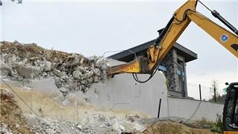 Bursa'daki kaçak villada yıkım başladı