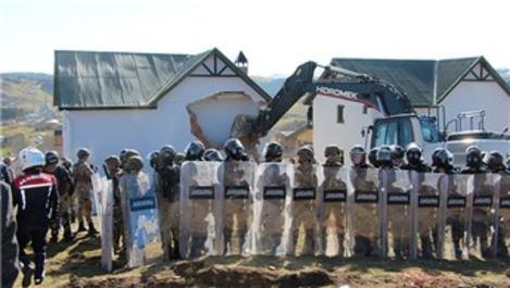 Trabzon Haçka Yaylası'nda gergin yıkım!