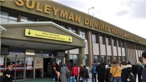 Süleyman Demirel Havalimanı'ndan 10 ayda 134 bin 898 yolcu geçti!