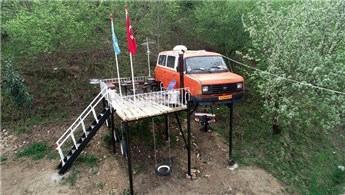 Trabzonlu baba, kızlarına arabadan ev yaptı!