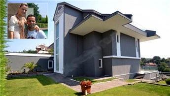Semih-Pınar Şentürk çifti villalarını 19 milyon TL'ye satıyor
