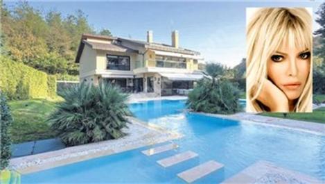 Ajda Pekkan, Bahçeköy'deki villası için 6 emlakçıyla anlaştı