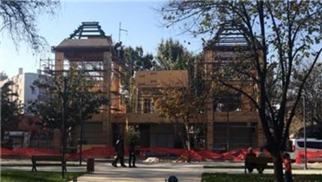 Bursa Büyükşehir Belediyesi, Mudanya'da kaçak binayı mühürledi