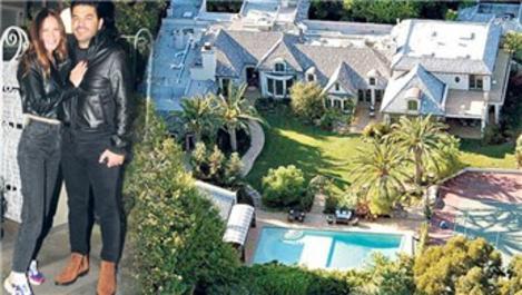 Uğur Akkuş, Ebru Şallı'ya Beverly Hills'ten malikane aldı!