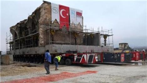 Hasankeyf'teki son eser Er-Rızk Camisi taşındı