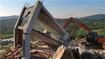 Milas'ta kaçak yapıların yıkımına başlandı