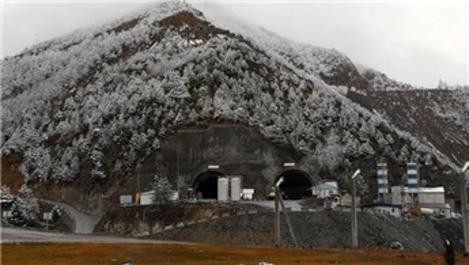 Yeni Zigana Tüneli'nin üçte ikisi tamamlandı