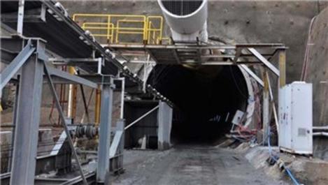 Türkiye'nin en uzun demir yolu tünelinde ışığa 600 metre kaldı