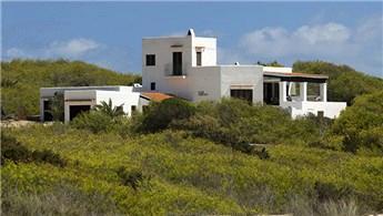 İspanya'da bu evde yaşamak isteyenlere 2 bin 625 euro maaş!