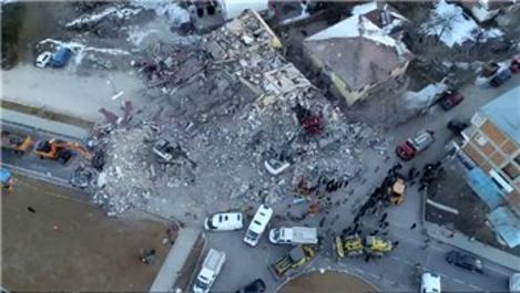 Elazığ'da çöken apartmanların kolonları kesildi mi?