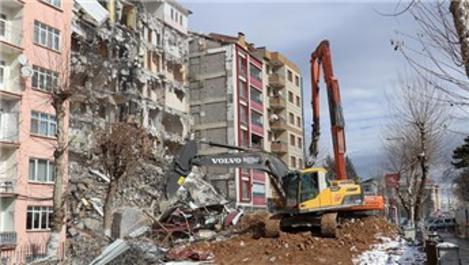 Malatya'da 3 bin 585 bina ağır hasarlı!