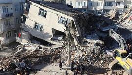 Depremin vurduğu Elazığ'da su 3 ay ücretsiz oldu